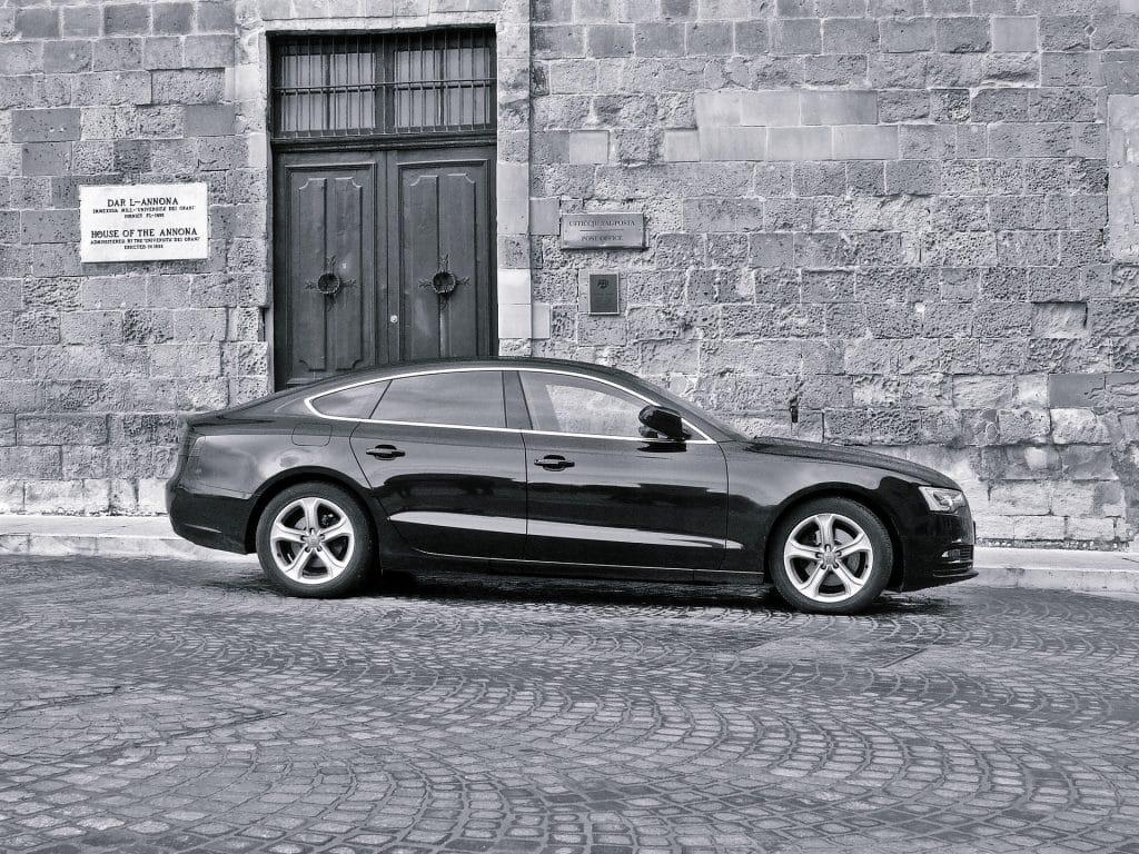 London Chauffeur Transfer - Luxury vehicle